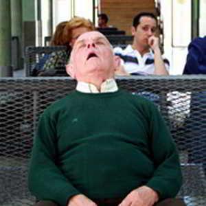 Пожилым людям можно спать меньше