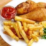 Чипсы и жареная курица